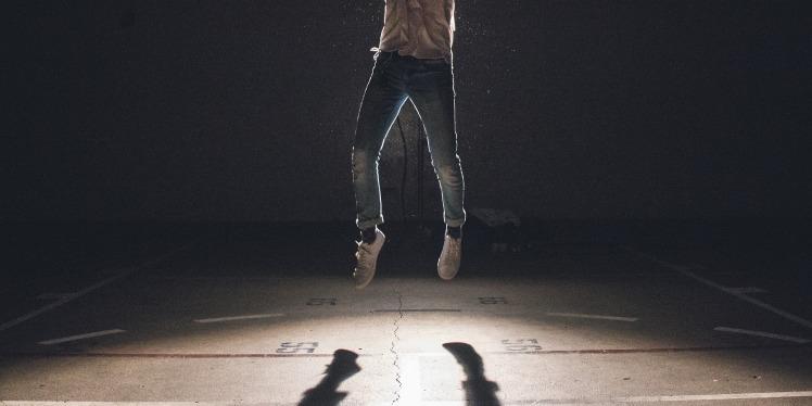 jump-1209941_1920
